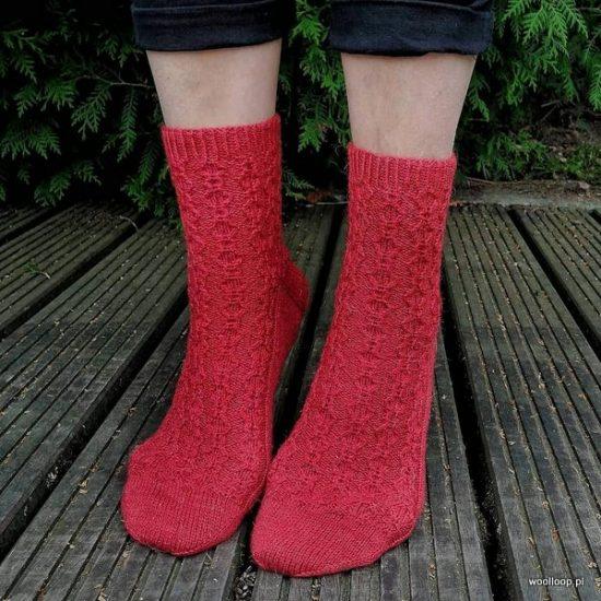skarpety dziergane z wloczki Performance Cool Wool kolor terakota woolloop