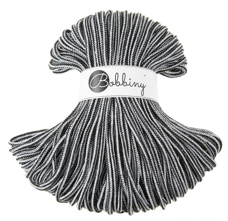 Czarno-biały 2602