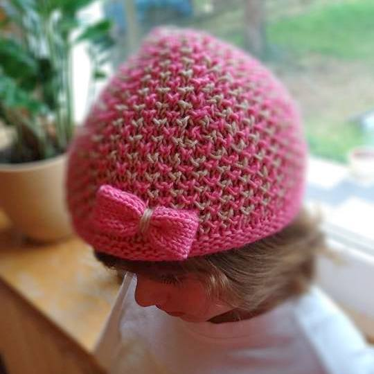 Dziecięca czapeczka z włóczki Yarn and Colors Charming woolloop