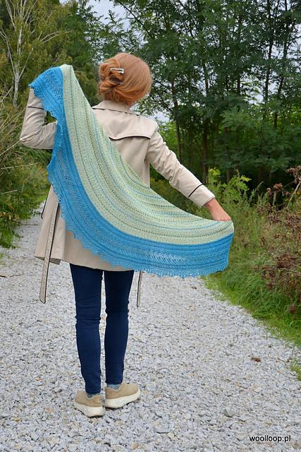 chusta w ksztalcie rogala Foxy Lady comfort zone knits