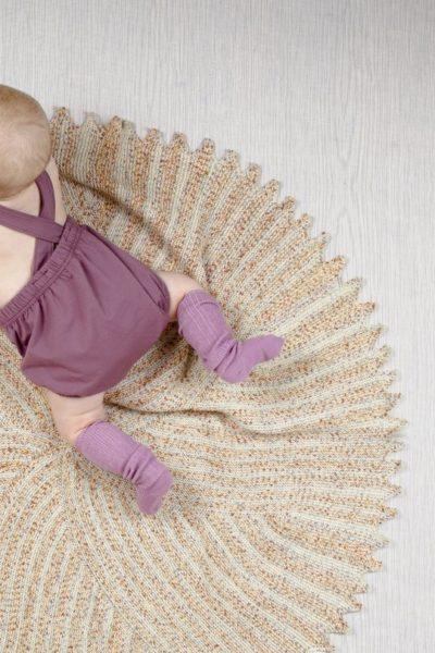 novita kocyk dziecięcy na drutach z Novita Baby Merino Dream woolloop