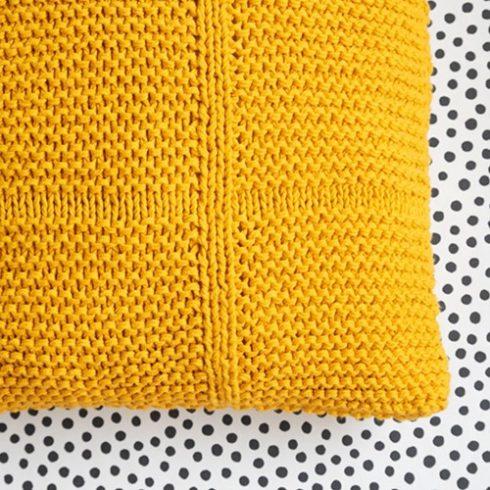 poduszka na szydelku z wloczki bawelnianej Epic Yarn and colors woolloop
