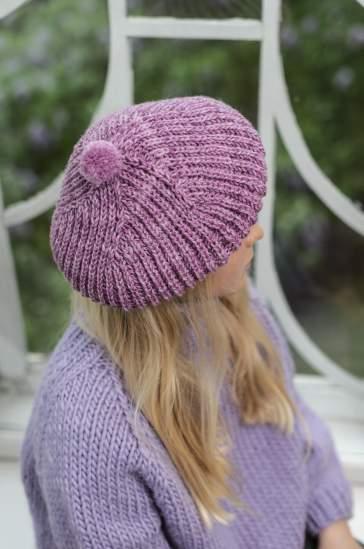 rozowy beret robiony na drutach brioche z wloczki Novita 7 brothers lapintaika woolloop