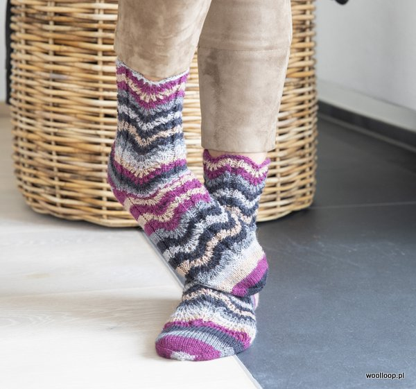 skarpety z wloczki Grundl Hot Socks color woolloop