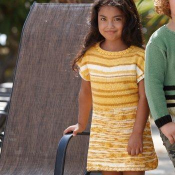 sukienka dziewczeca dziergana z wloczki Katia Bora Bora woolloop