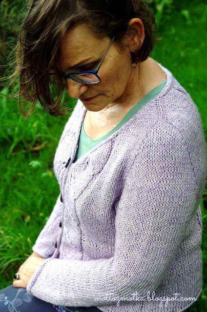 sweter rozpinany z wloczki charming yarn adn colors detal